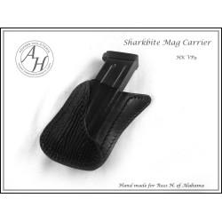 SHARKBITE™ Pocket Mag Carrier