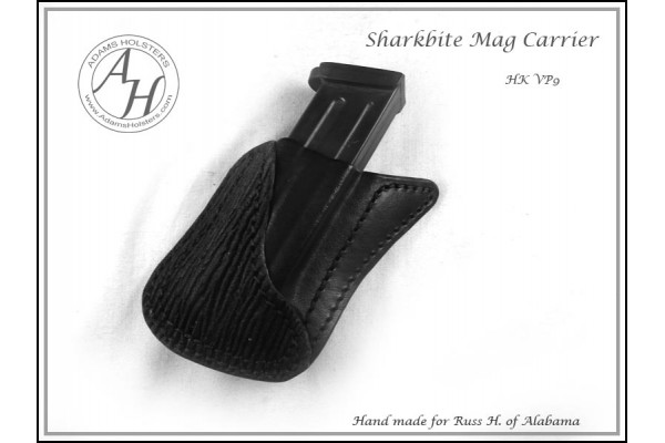 SHARKBITE™ Pocket Mag Carrier